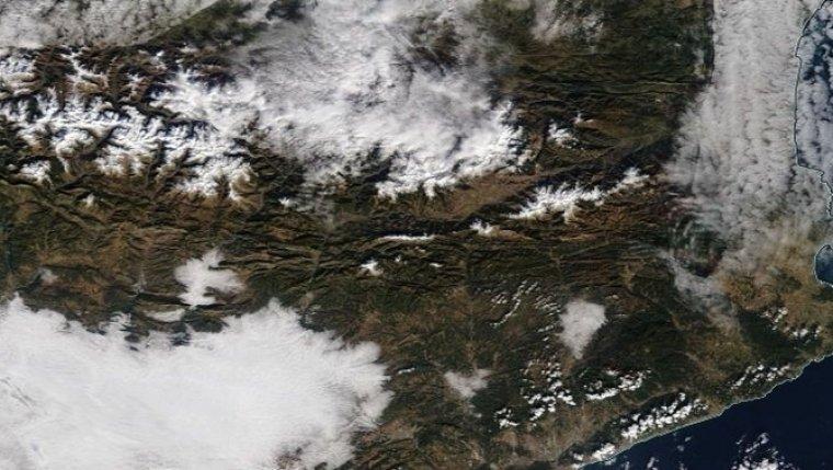Imatge satèl·lit de l'aspecte del Pirineu el 19 de gener