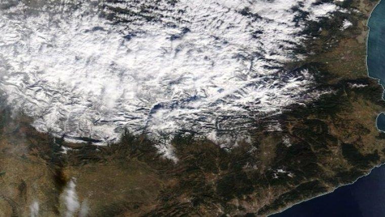 Imatge satèl·lit de l'aspecte del Pirineu el 24 de gener