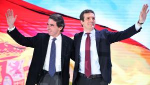 Casado sí va acompanyar Aznar quan va comparèixer a la comissió d'investigació del Congrés