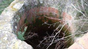 Imatge del perillós pou descobert a Girona