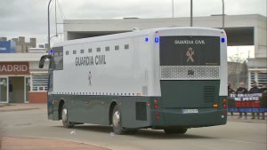 L'autobús de la Guàrdia Civil amb els presos a la seva arribada a Madrid