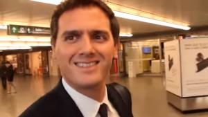 Rivera va somriure quan li van mencionar la seva suposada relació amb Malú