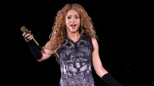 Shakira rep una sorpresa d'aniversari d'un club de fans de Barranquilla