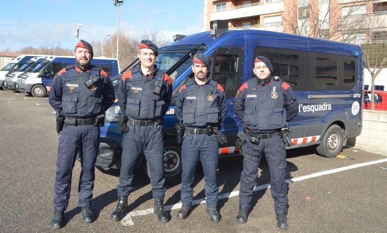 Quatre dels agents de l'ARRO de Lleida que van participar en l'actuació.