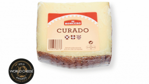 Formatge 'Mezcla Curado' de la marca blanca Roncero de venda a Lidl
