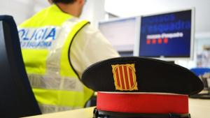 Un mosso espia a la seva exparella amb dades confidencials de la policia