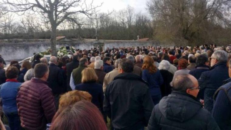 A l'enterrament de José Pinto va assistir molta gent