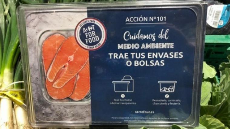 Cartell informatiu sobre la nova mesura de Carrefour