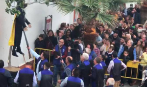 Durant Setmana Santa a Coripe es va afusellar i cremar un ninot de Carles Puigdemont