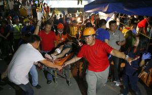 Imatge d'un edifici mig destruït pel terratrèmol de dilluns a les Filipines