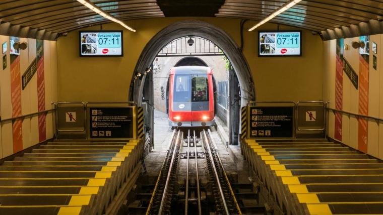 El funicular de Montjuïc reobre després de gairebé sis mesos de rehabilitació