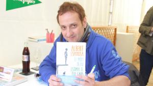 Albert Espinosa es retira mediàticament i torna a la seva vida