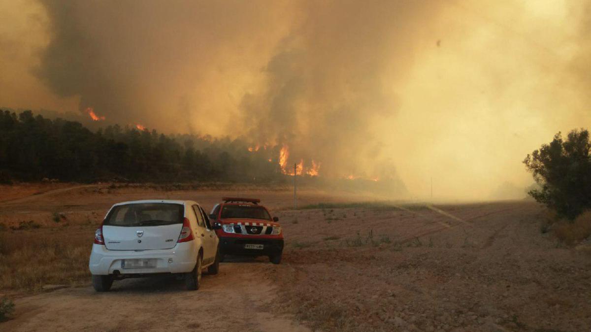 Imatge de l'incendi que està tenint lloc a la Ribera d'Ebre