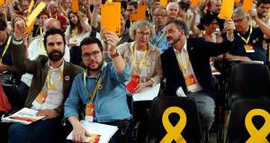El president del Parlament, Roger Torrent i el vicepresident del Govern i conseller d'Economia, Pere Aragonés, són les opcions que estudia ERC