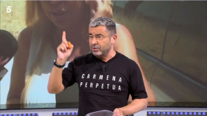 Jorge Javier amb la samarreta a favor de l'exalcaldessa de Madrid: «Carmena Perpetua»