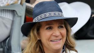 La Infanta Helena llueix mitja cabellera