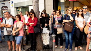 Veins de Mataró es manifesten al consistori per l'assassinat de la joven.