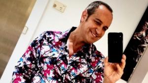 Víctor Sandoval està molt feliç després de realitzar-se un transplantament capil·lar