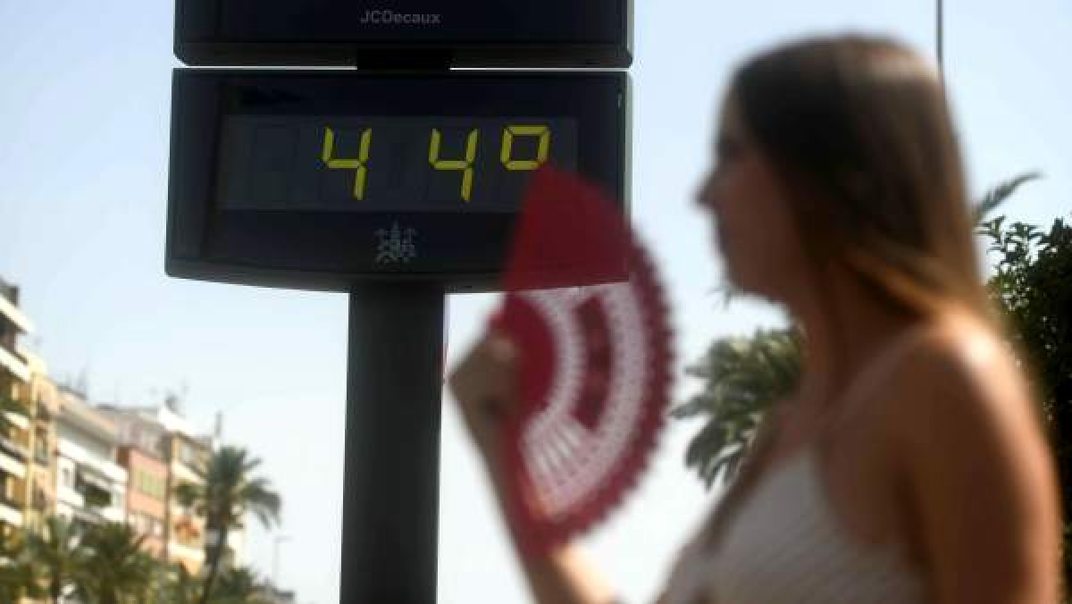 Els termòmetres van fregar els 44º a punts de l'interior