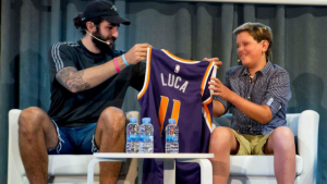 Ricky Rubio amb Luca de la Vega presenten 'Proyecto Luca'.