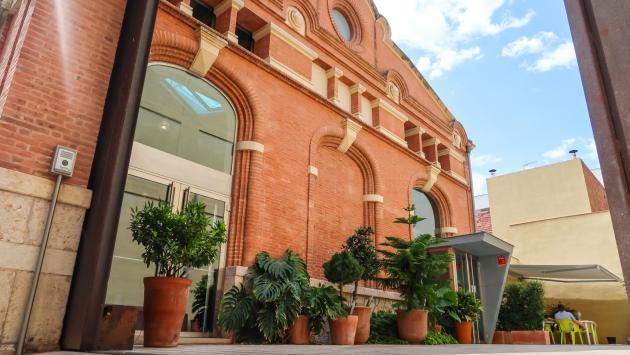 La façana de la seu corporativa del grup CatalunyaDiari.
