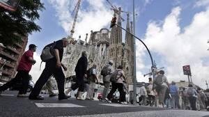 Turistes passejant per Barcelona