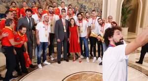 La benvinguda de la Selecció Espanyola de Bàsquet a la Zarzuela rep moltes crítiques