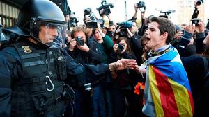 La detenció de diversos membres de col·lectius de protesta va fer esclatar la guerra entre els CDR i el Govern