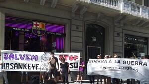 Ocupen una botiga del Barça per protestar pel patrocini de Beko