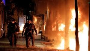 Càrregues policials i aldarulls a Girona en el tercer dia de protestes
