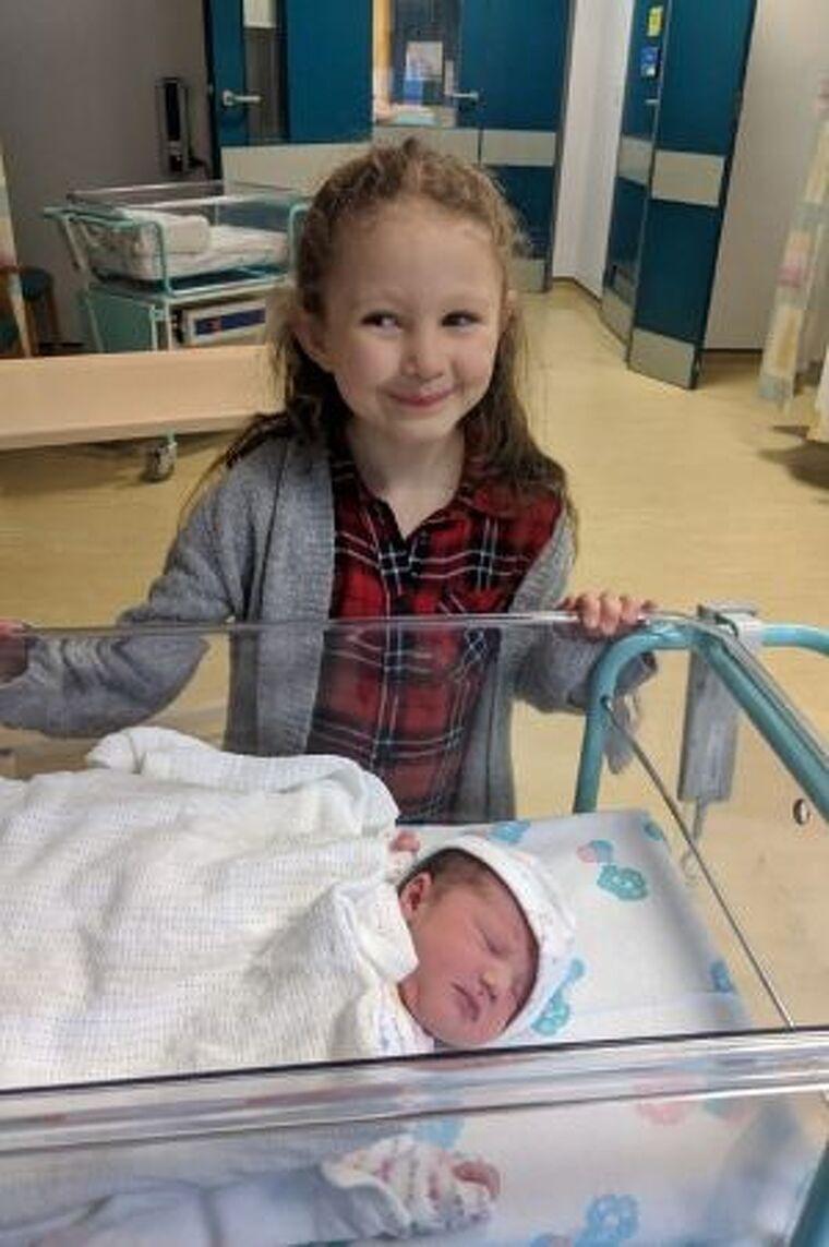 Darcy amb la seva germana petita Bea