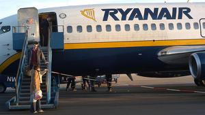 Condemnen Ryanair per cobrar la maleta de mà a una passatgera