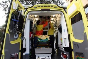 Interior d'una ambulància del SEM a Tarragona