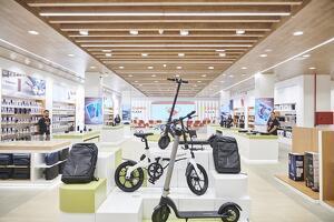 Interior de la botiga AliExpress Plaza situada Madrid, al centre comercial Intu Xanadú