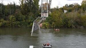 Mor una noia de 15 anys i un home en un ensorrament d'un pont a França