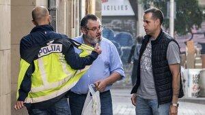 Víctor Terradellas, una de les mans dretes de Puigdemont, classificava els caps dels Mossos en una llibreta