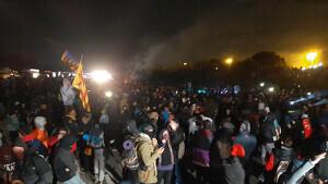 Centenars de persones concentrades a l'AP-7, a Girona, el 12 de novembre de 2019