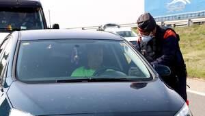 Els Mossos d'Esquadra de Lleida fent controls a l'A-2 el 20 de març de 2020