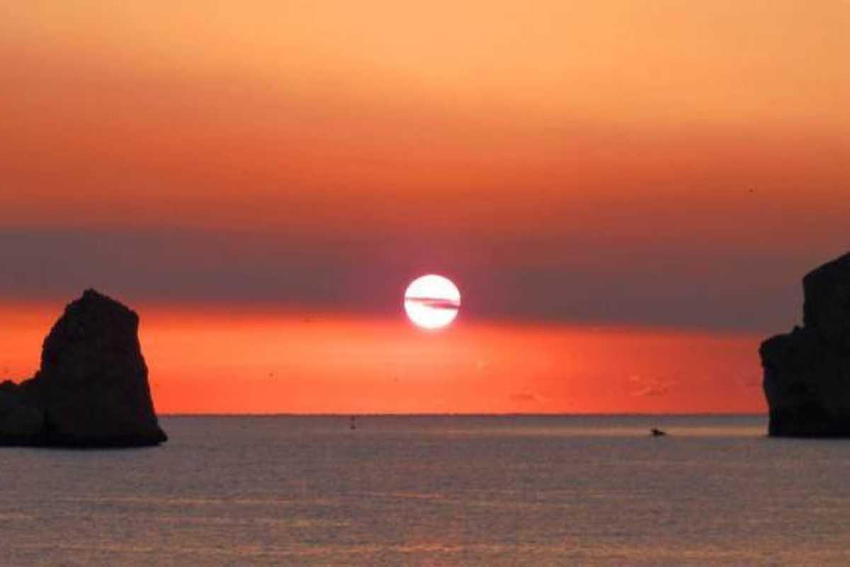 Imatge d'una sortida de sol a l'Estartit