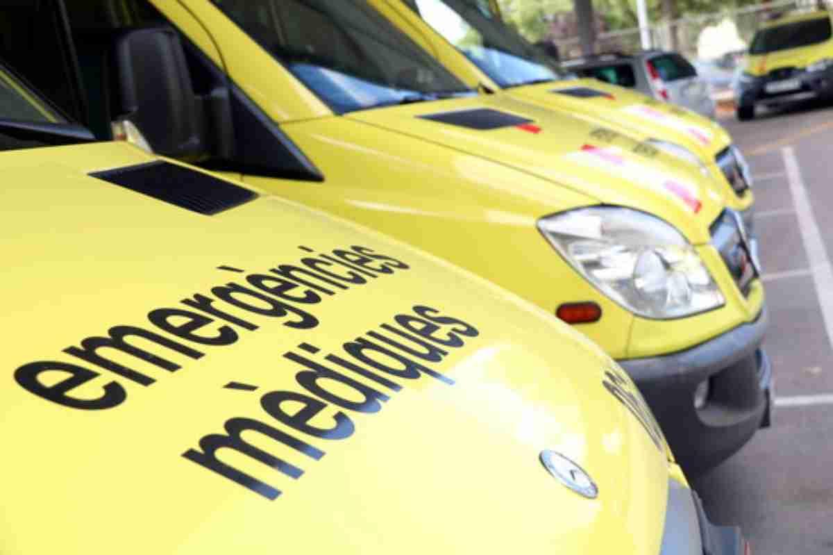 Diverses ambulàncies del Sistema d'Emergències Mèdiques (SEM) en línia