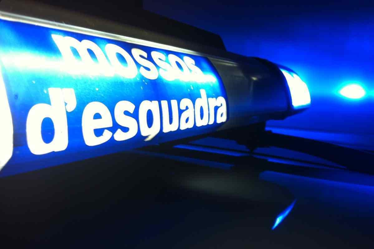La sirena d'un vehicle dels Mossos d'Esquadra encesa