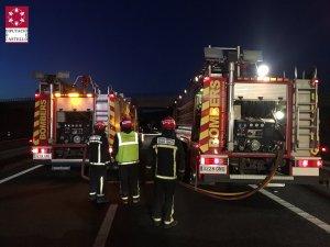 Els bombers, actuant esta matinada