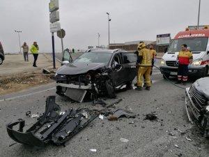Imatge de com ha quedat el cotxe després de l'accident