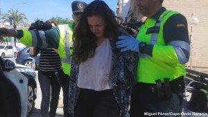 Imatge de la detenció de Mavi, la conductora que va atropellar mortalment a 3 ciclistes