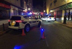 La Policia Local en un control d'alcoholèmia
