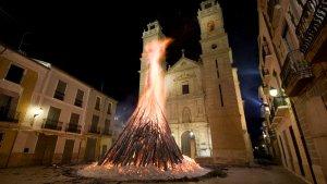 Imatge d'arxiu de la foguera de Sant Antoni de Canals