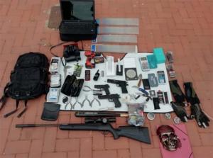 Armes que es van trobar a l'interior del vehicle