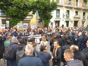 Imatge de la protesta dels taxistes a València