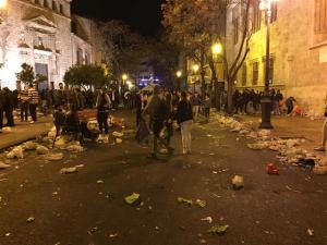 Un dels carrers de València en Falles