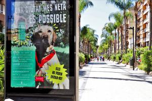 Cartell que promou la neteja de les miccions canines a Torrent